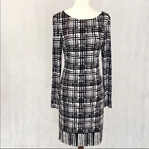 Vince Camuto long sleeve dress in black & white